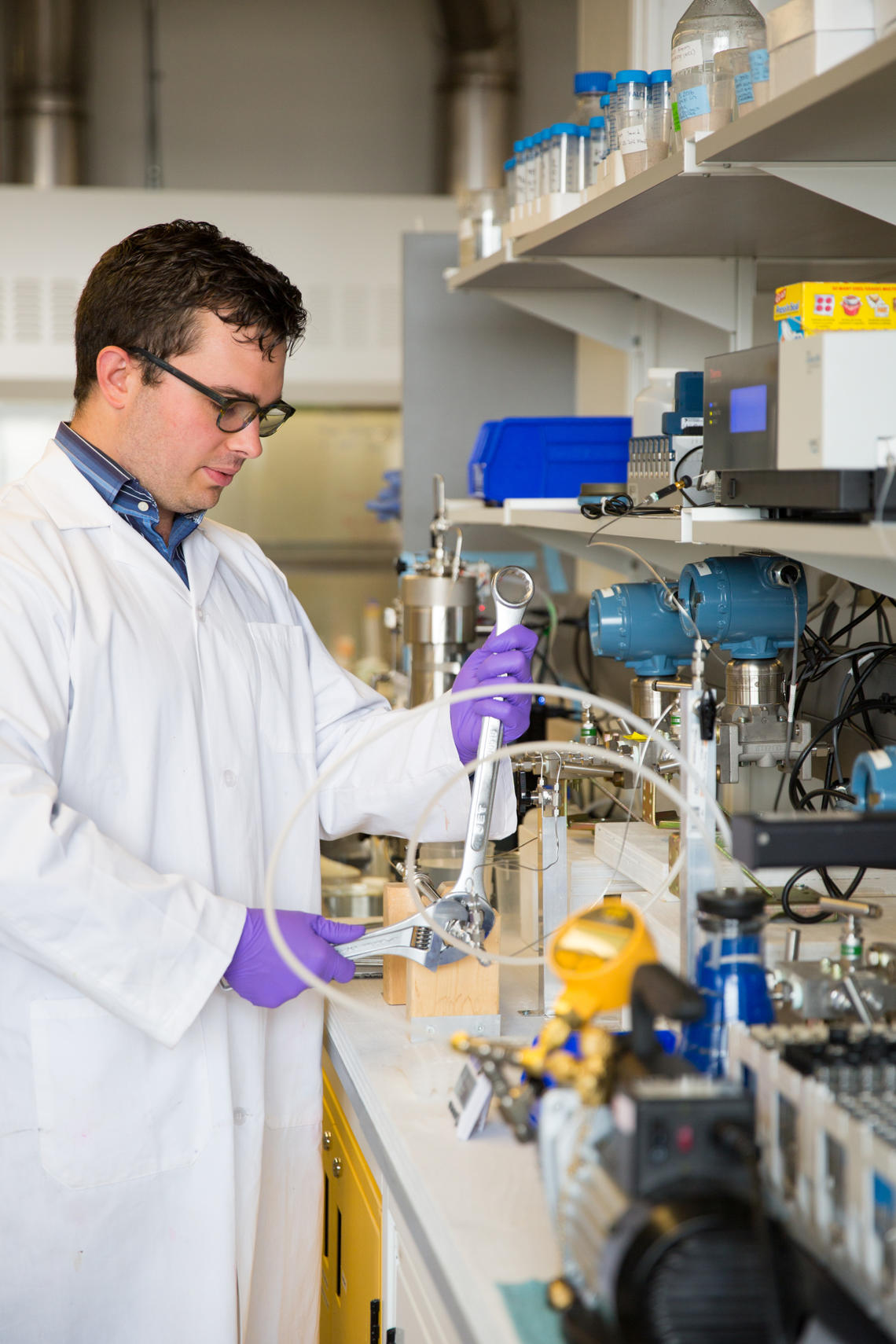 Graduate student Carter Dzuiba researched nanocellulose technology in Steven Bryant's lab to improve enhanced oil recovery and make it more environmentally friendly.