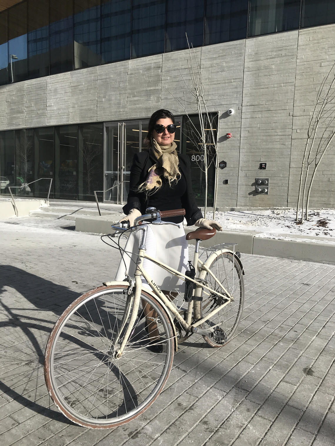 Farnaz Sadeghpour, associate professor in the Schulich School of Engineering, is leading a workshop on winter cycling research collaborations in Canada at the 2019 Winter Cycling Congress.