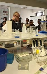 Cumming School of Medicine associate professor Guido van Marle leads a workshop on molecular biology at the University of Addis Ababa in Ethiopia.